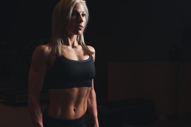 Nutritionist Approved Tips to Gain Muscle woman